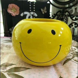 Smiley face emoji planter